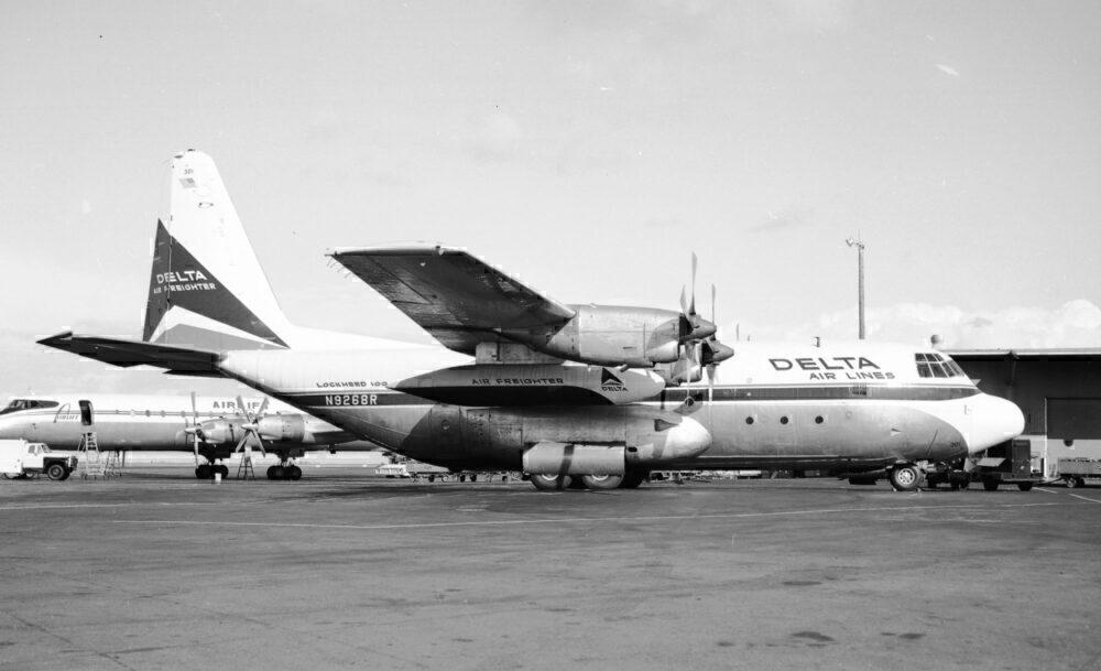 Lockheed L-100