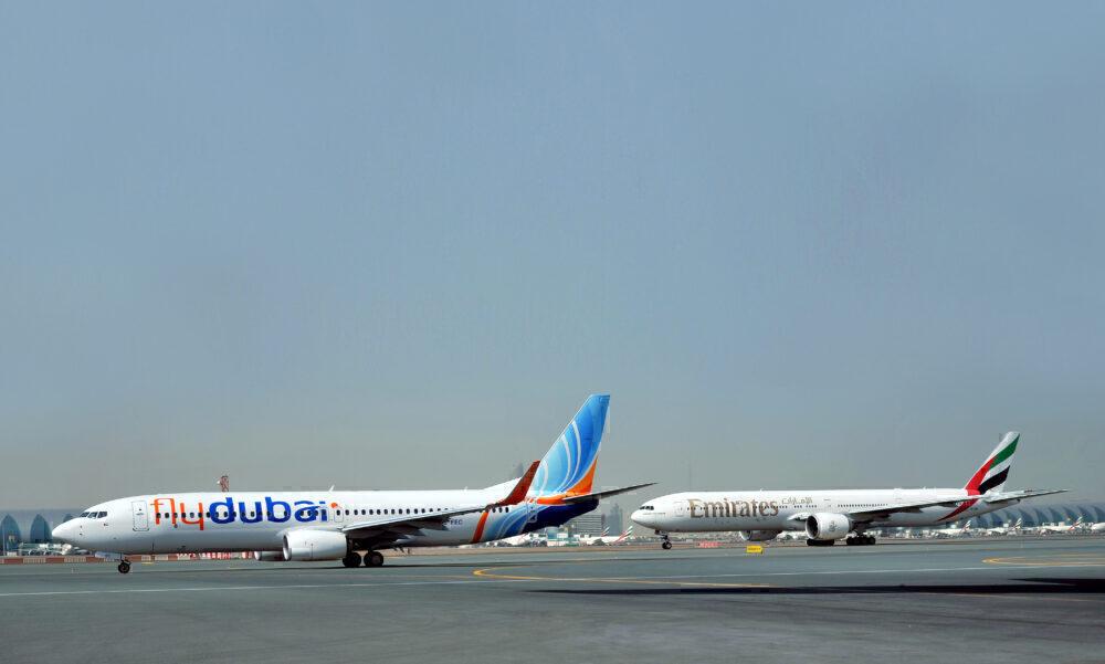 flydubai 737 Emirates 777