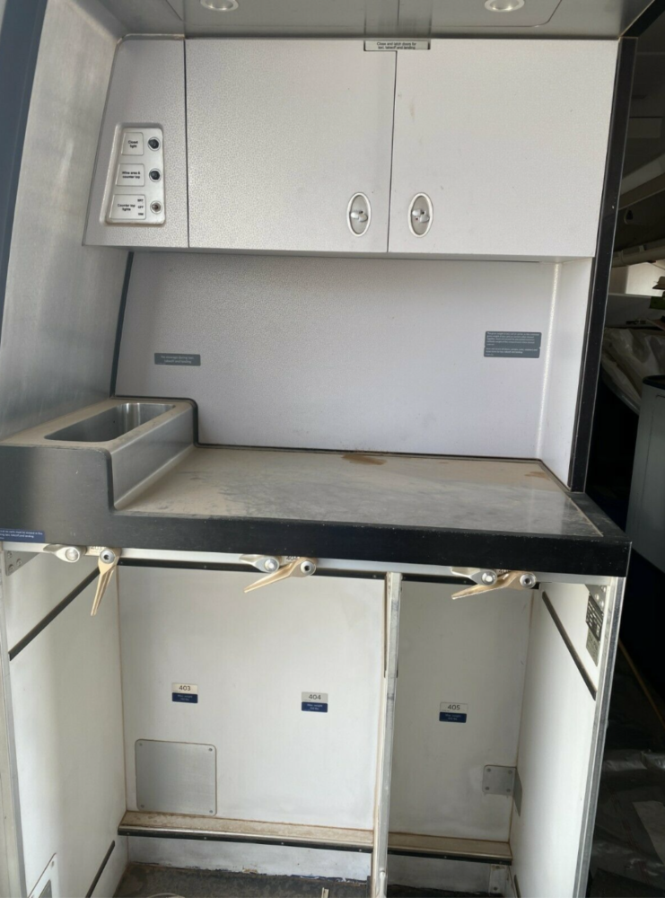747-400 galley