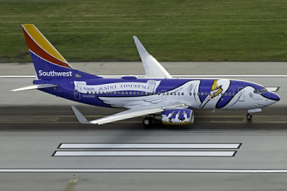 Southwest Airlines (Louisiana One Livery) Boeing 737-7H4 N946WN