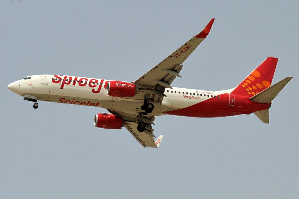 SpiceJet 737
