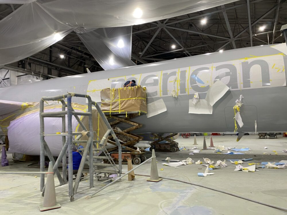Boeing 737 repainting