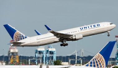 United Airlines Boeing 767-322(ER) N643UA (1)