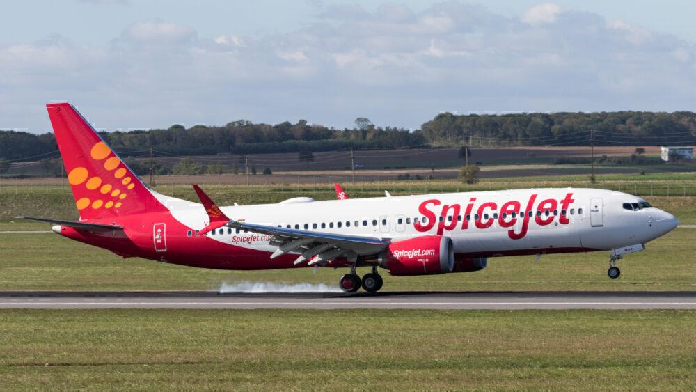 SpiceJet 737 MAX 8
