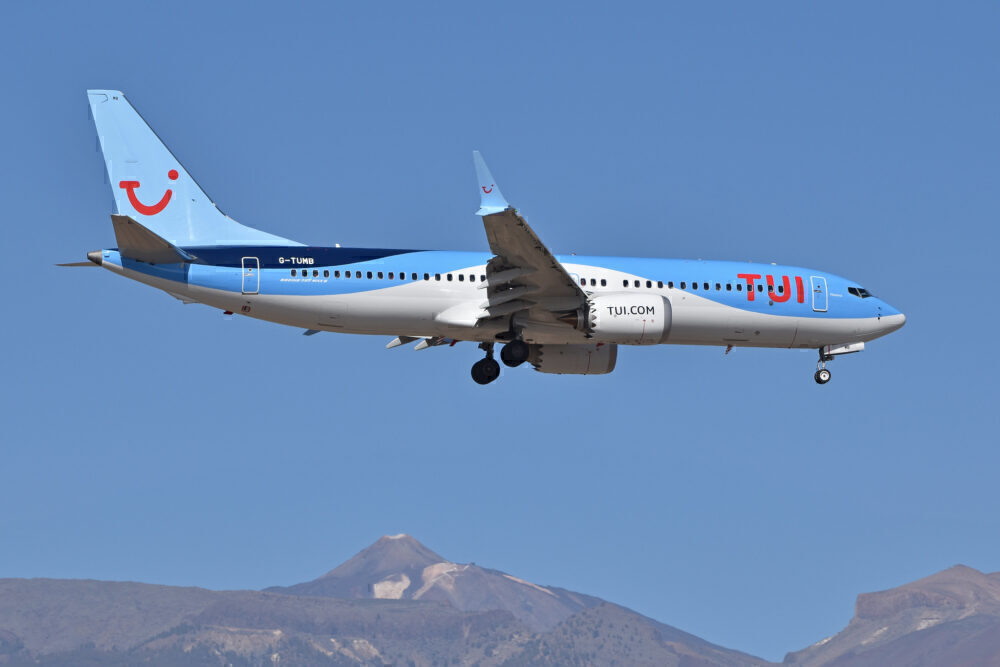 TUI Boeing 737 MAX 8 Tenerife South