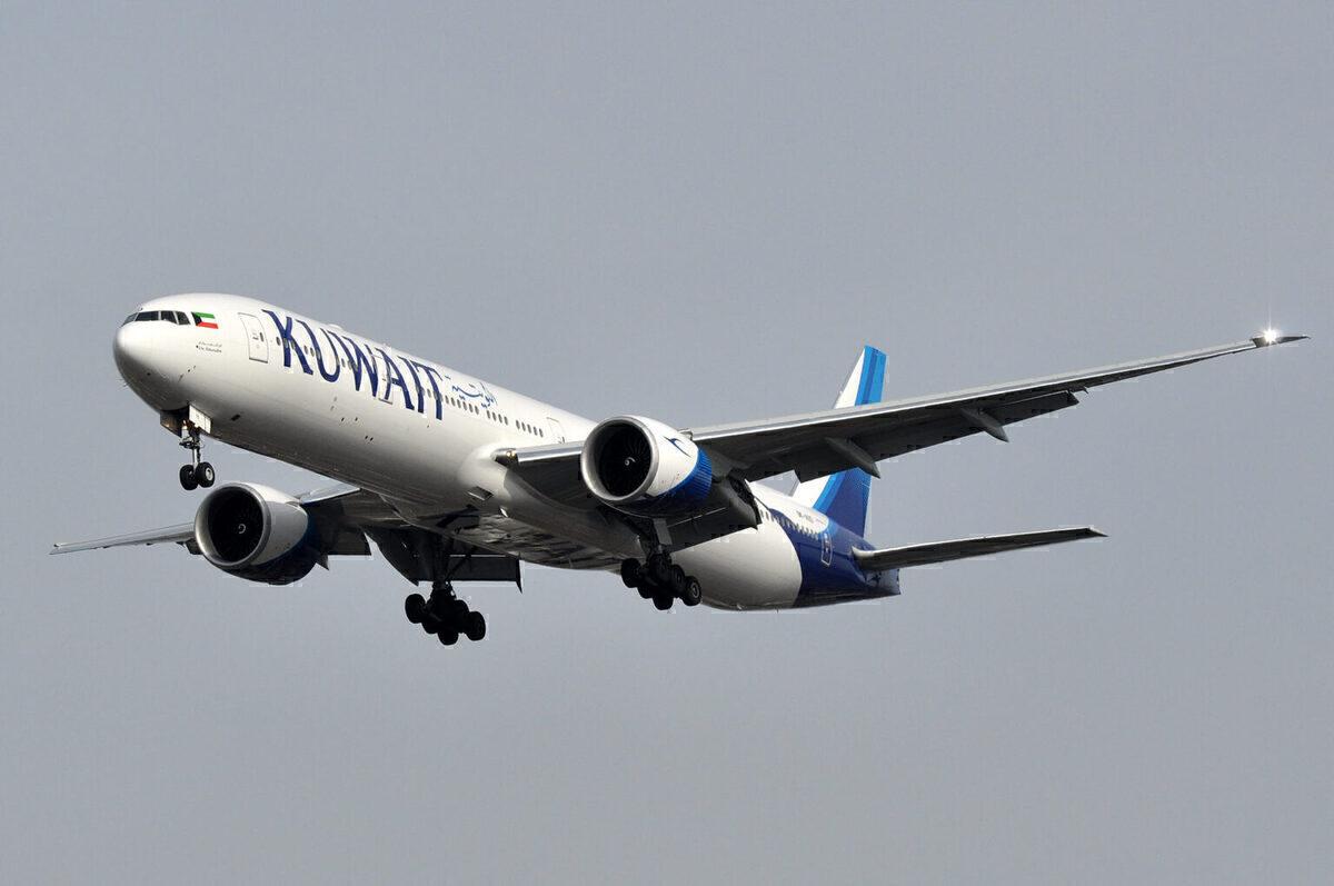 Kuwait 777 aircraft in flight