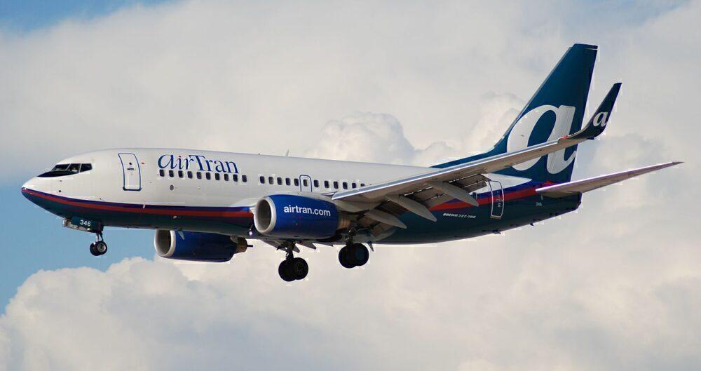 737-700 AirTrans