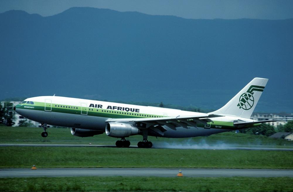 Air_Afrique_Airbus_A300B4-200_TU-TAO_GVA_1982-5-20