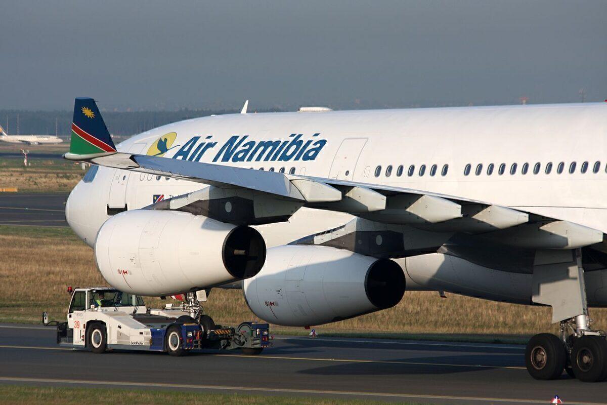 Air_Namibia_Airbus_A340-311_V5-NME_(24972484842)