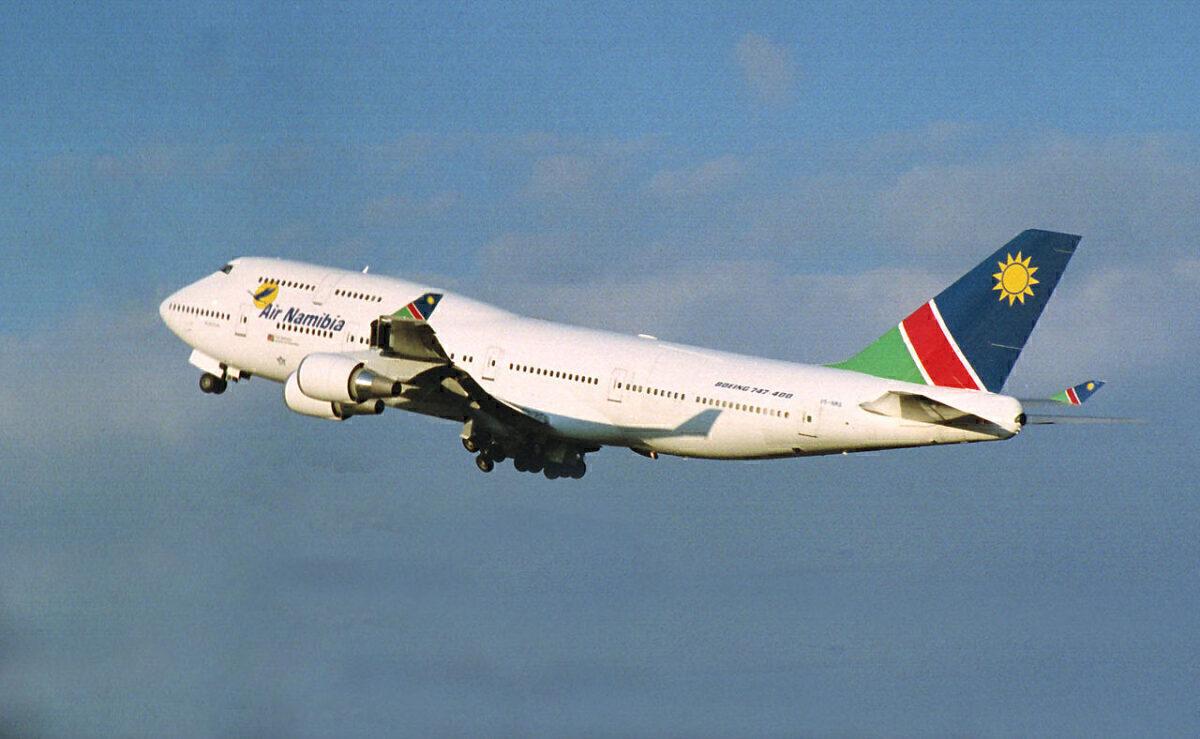 Air_Namibia_B747-48EM_V5-NMA_(13799530395)