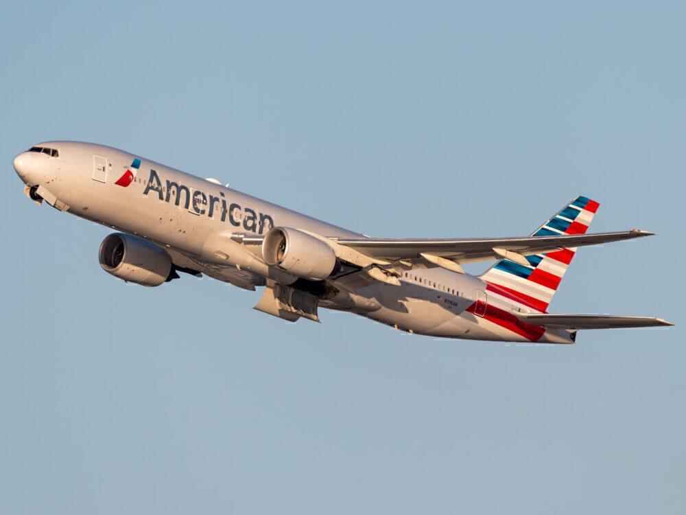 American Boeing 777-200ER