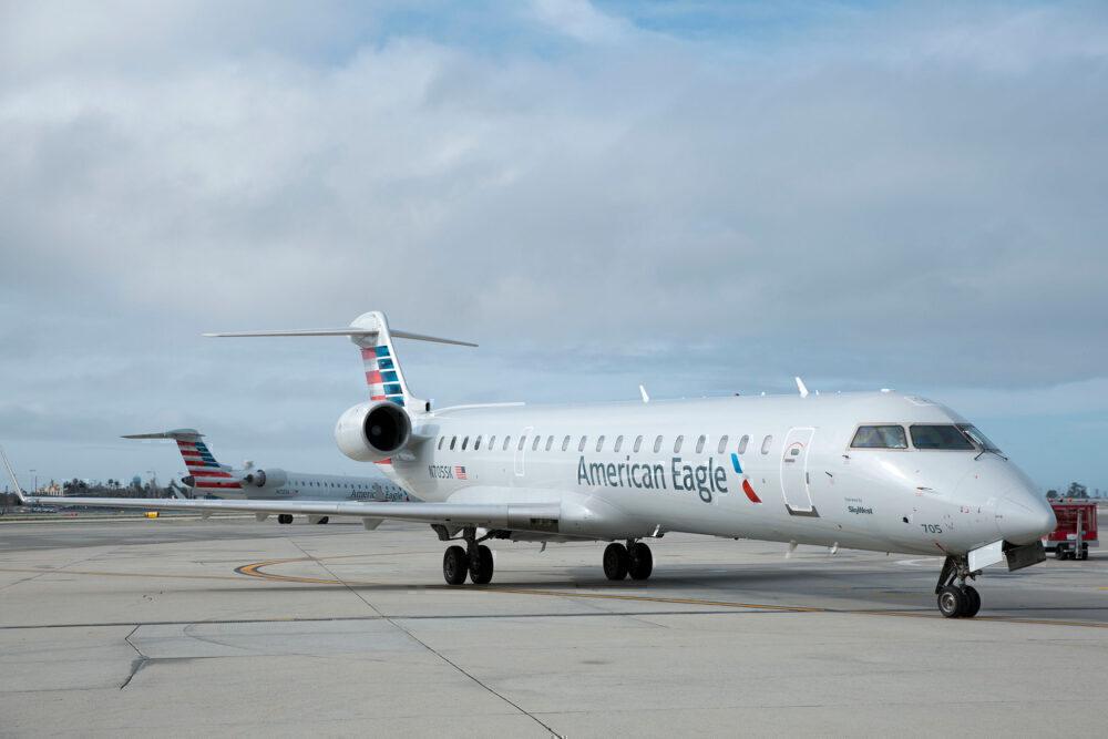 SkyWest CRJ 700