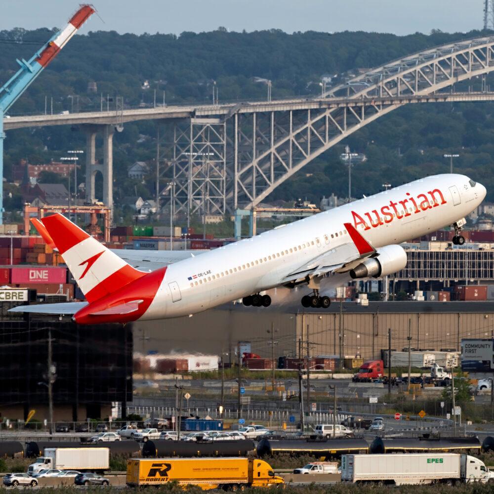 Austrian Airlines 767