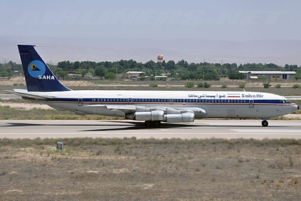 Saha Airlines Boeing 707