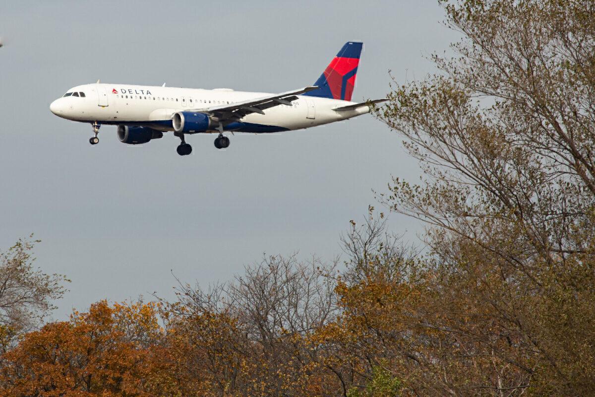 FAA Proposes $28k Fine For Delta Passenger Who Struck Flight Attendant