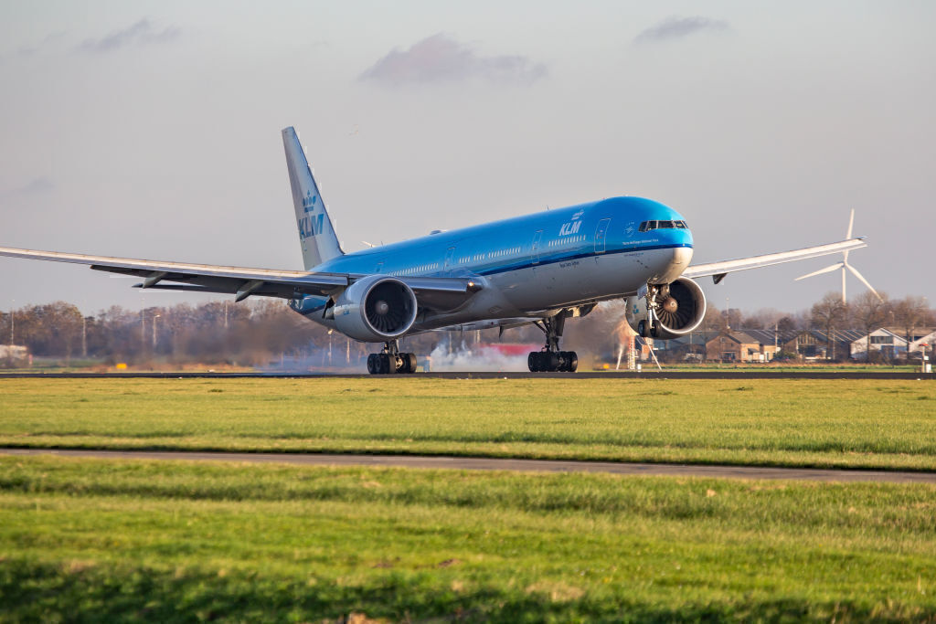 Why Is Amsterdam Schiphol's Polderbaan Runway So Far From The Terminal?