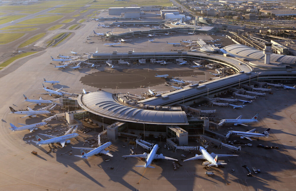 Some travellers arriving at Toronto airport violating Quarantine Act | iNFOnews