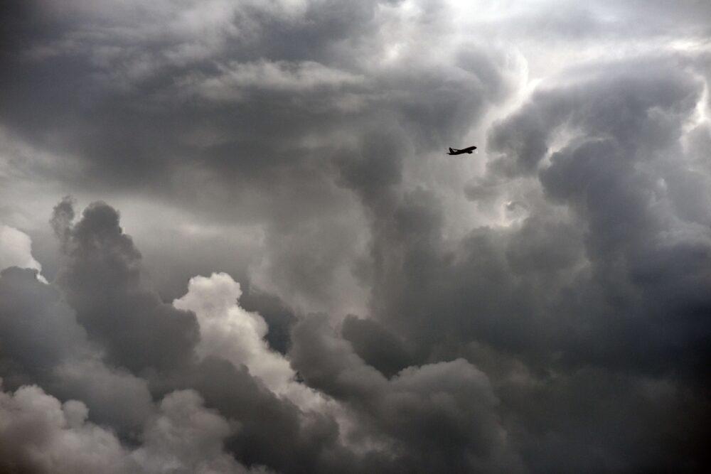 Airplane storm