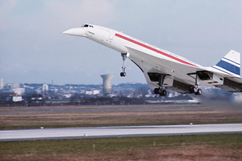 The Lockheed L-2000: The 250 Seat Supersonic Passenger Plane That Never Was