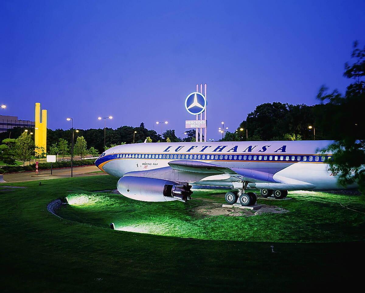 Lufthansa, Boeing 707, Auction