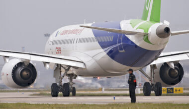 COMAC C919 taxiing icing test