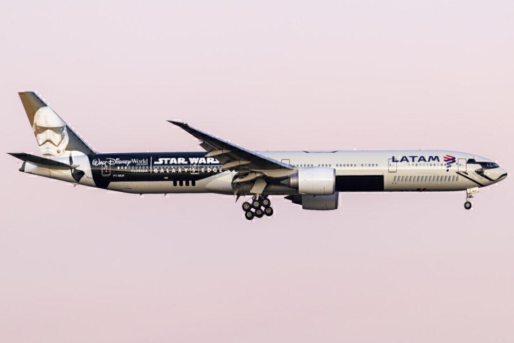 LATAM Brasil Boeing 777 Tire Loses Tread On Landing