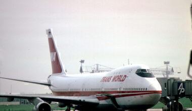 L'avion_de_ligne_Boeing_747_N93117_de_la_TWA