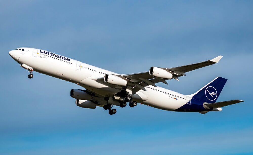 Lufthansa D-AIGM A340