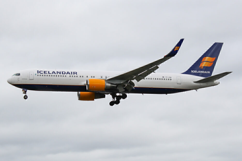Icelandair's Antarctic Boeing 767 Flight Continues From Cape Town