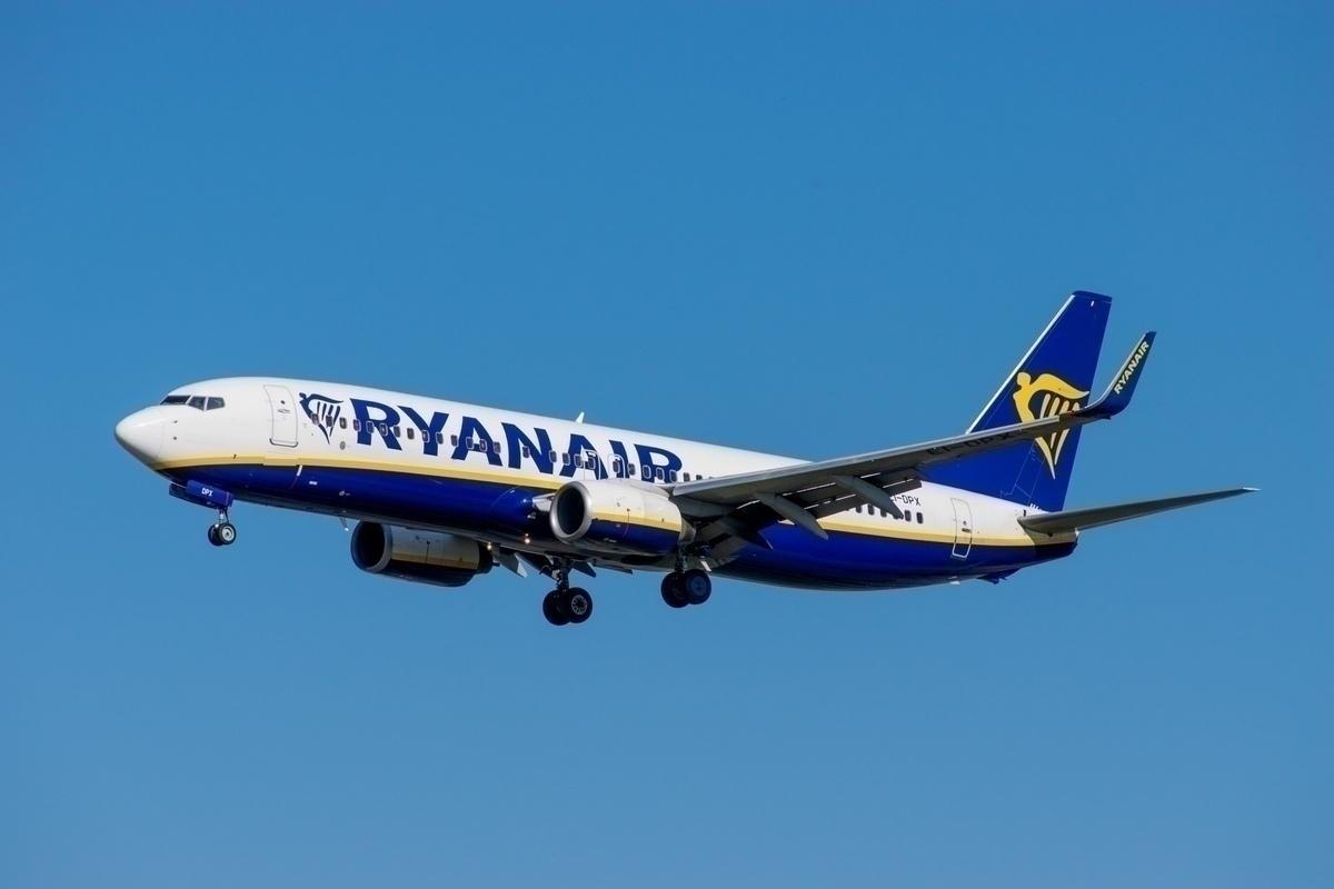 Ryanair, UK Ireland, COVID-19