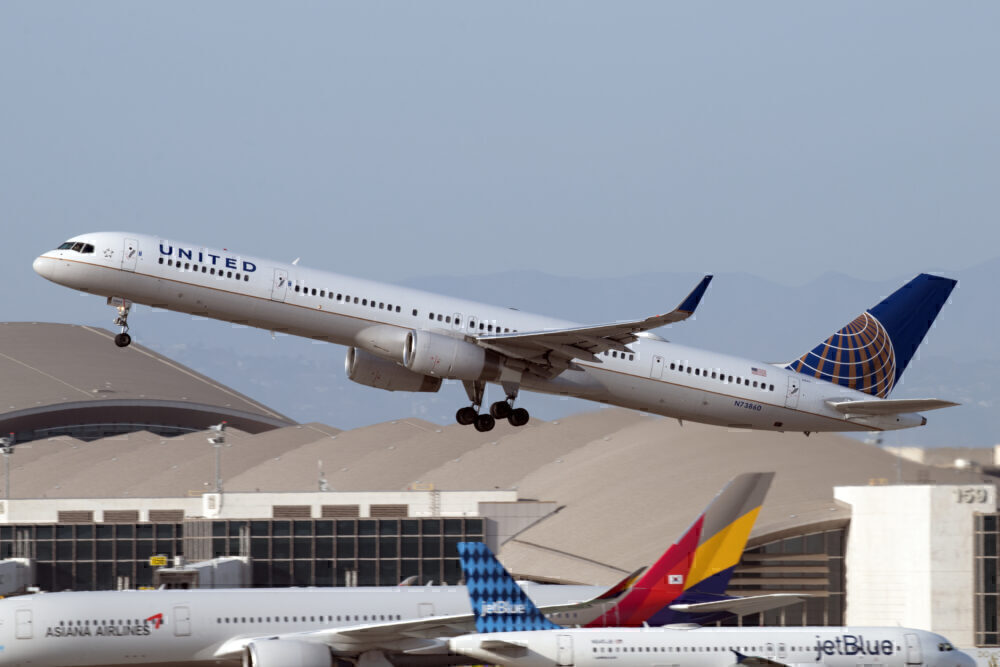 United Airlines Boeing 757-300