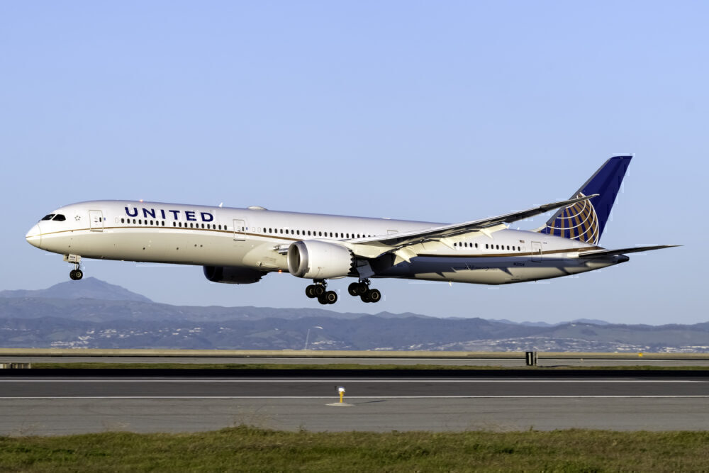 United Airlines Boeing 787-10 San Francisco