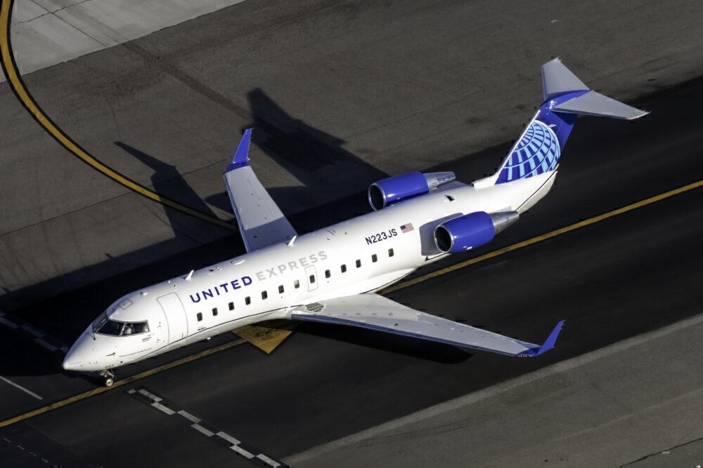 United CRJ-200LR
