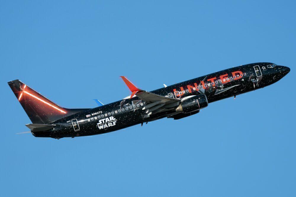 United Boeing 737 Newark