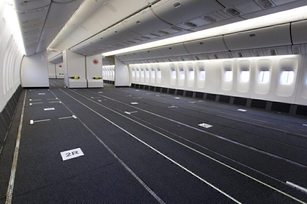 777 Cargo interior