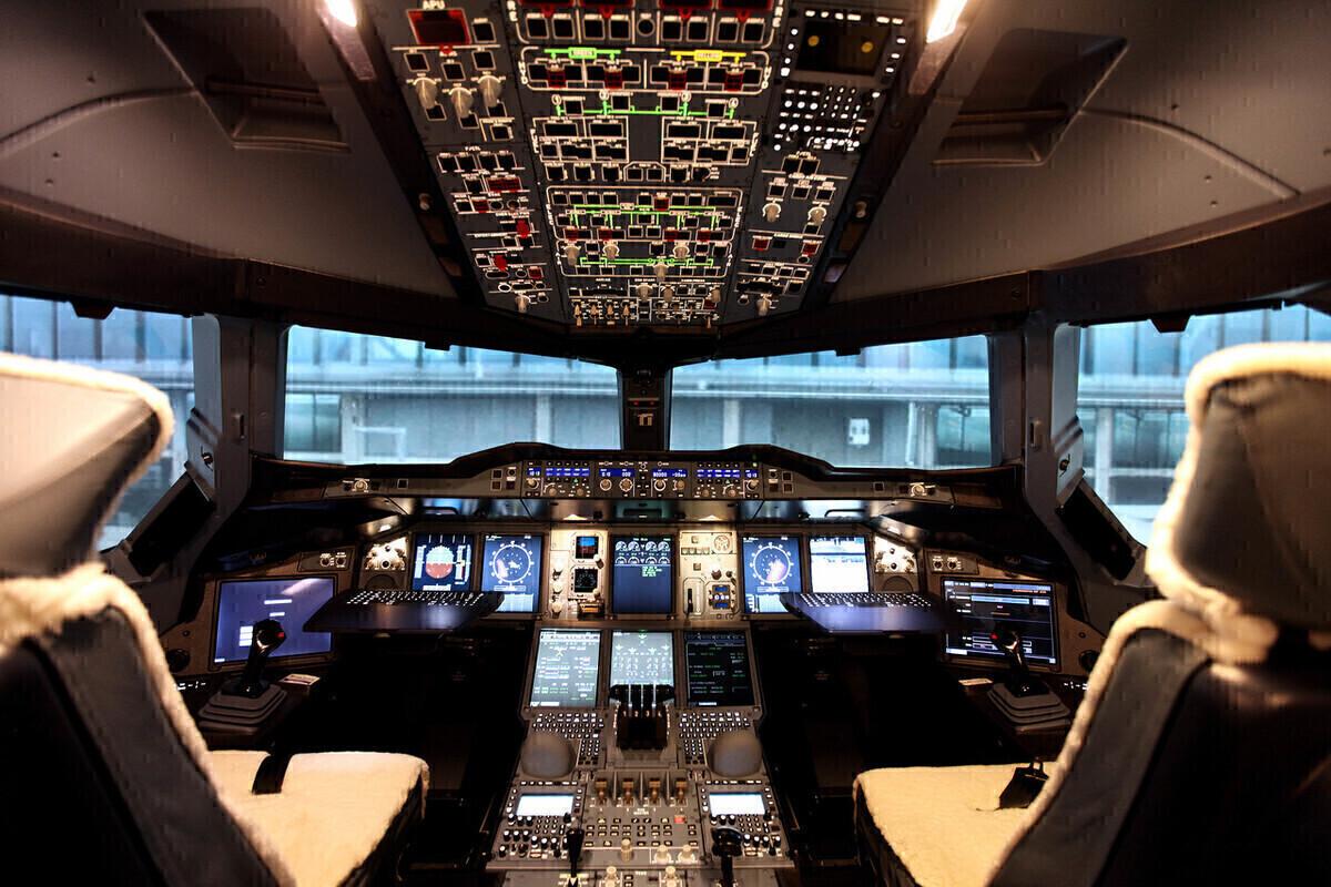 British Airways, Airbus A380, Cockpit