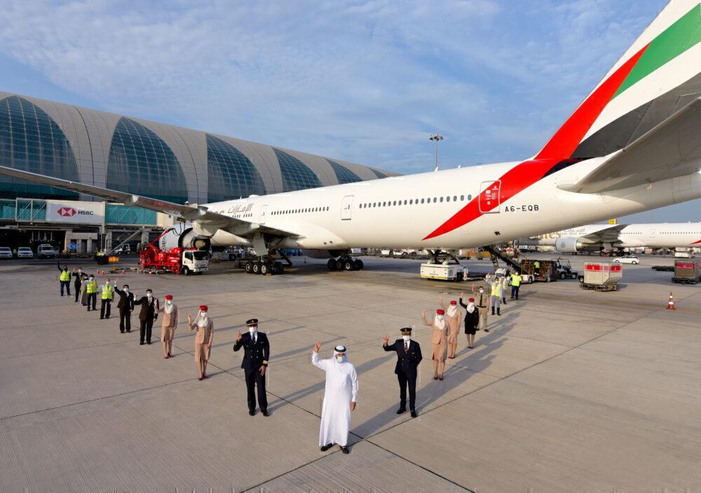 Emirates EK215