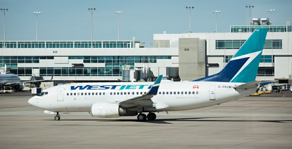 Canadian-Airline-Bailout-Deal