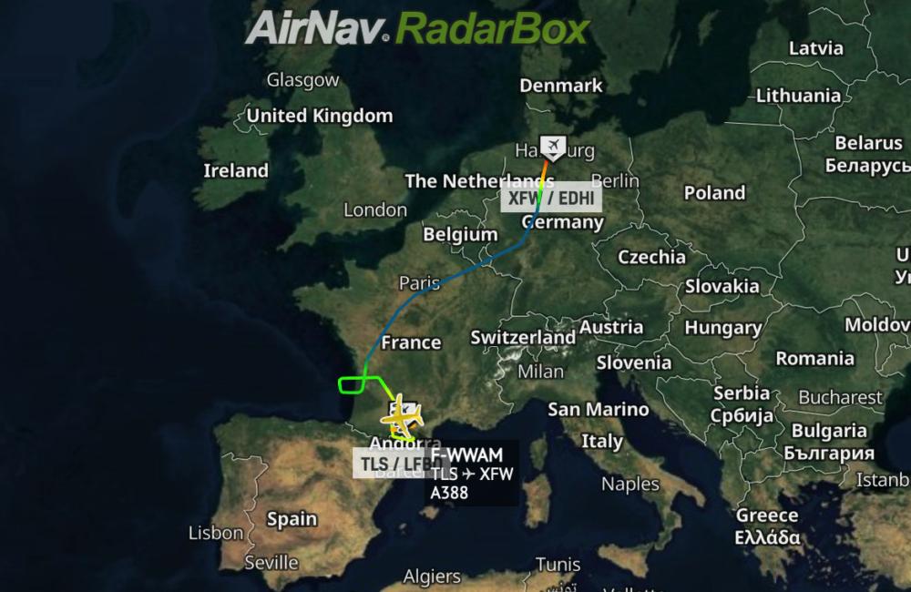 Flight path penultimate A380