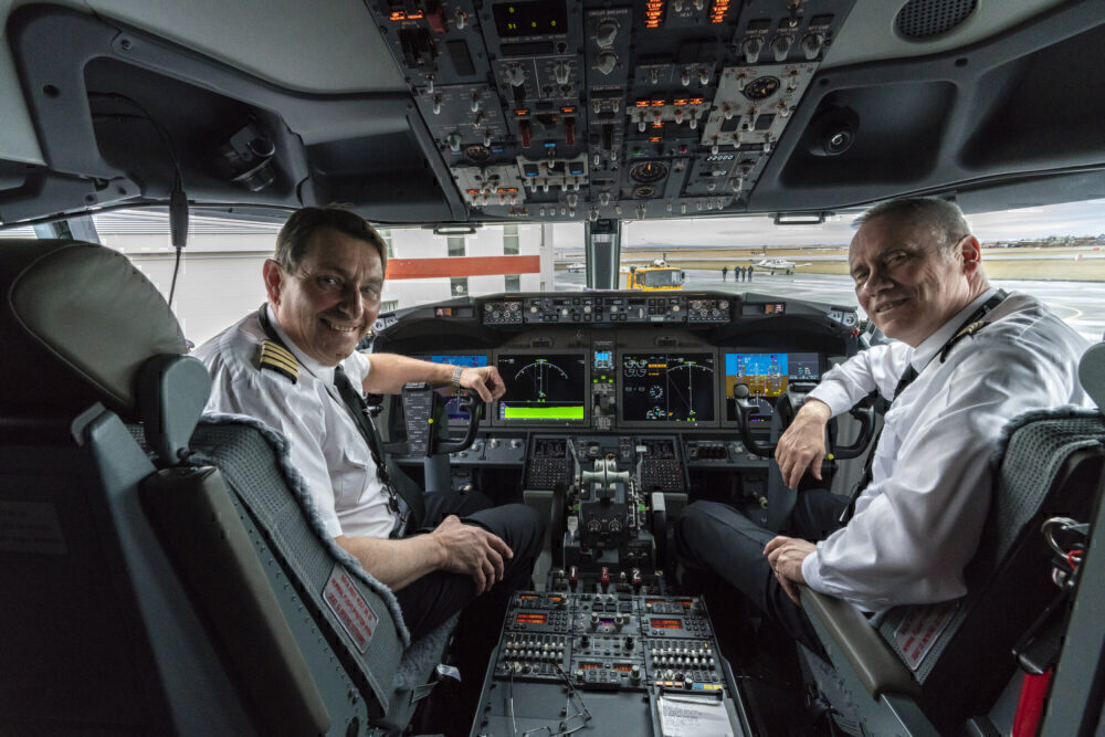 Icelandair 737 MAX cockpit