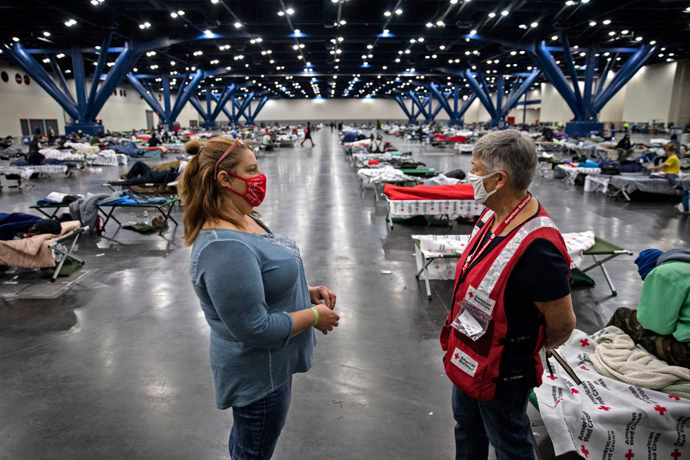 American-Airlines-Red-Cross-Aid