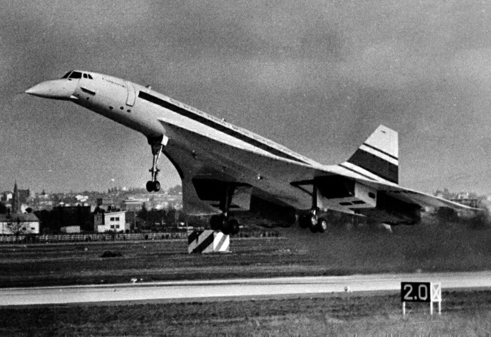 Concorde first flight