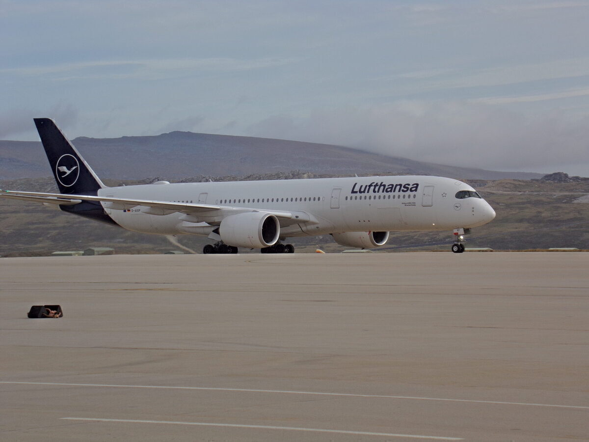 Lufthansa Breaks Its Longest Flight Record Again With 15.45 Hour A350 Flight – Simple Flying