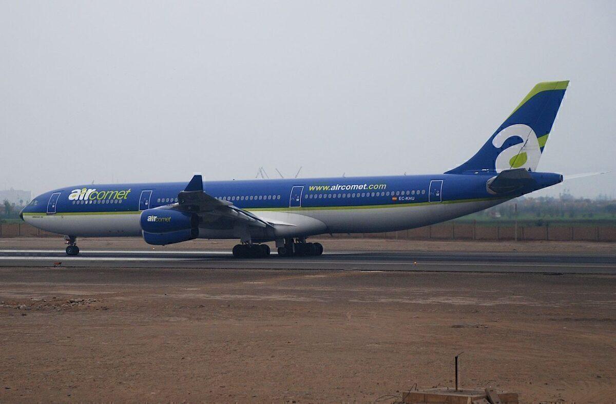 1280px-Air_Comet_Airbus_A340-300;  _EC-KHU @ LIM;  21.06.2008_513aq_ (4310440018)