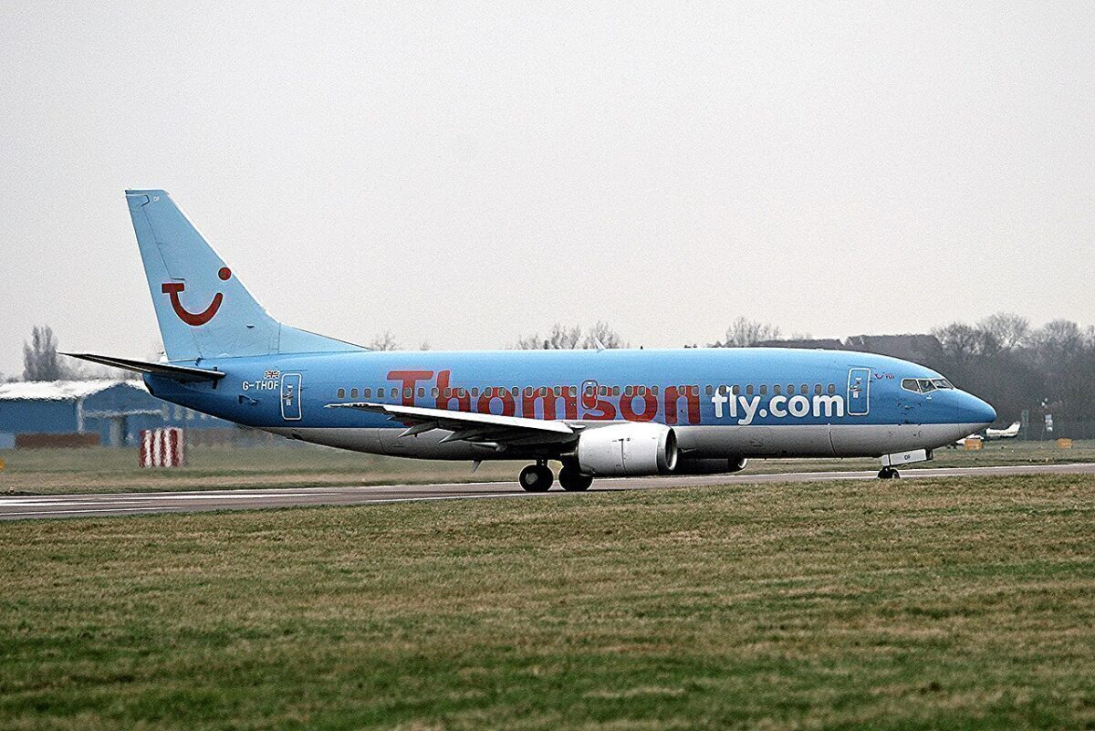 Thompsonfly Boeing 737-300
