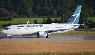 WestJet Boeing 737 Victoria