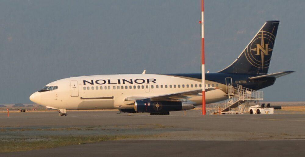 Cool: Video Shows Nolinor's Boeing 737-200 Reverse Thrust