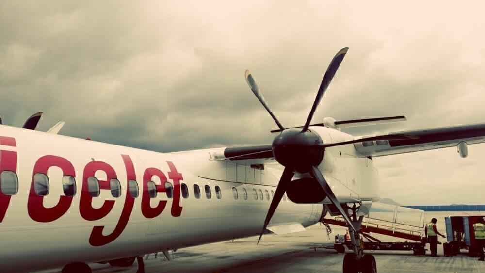 SpiceJet Q400