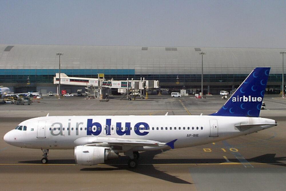 AirBlue Airbus A319 Dubai