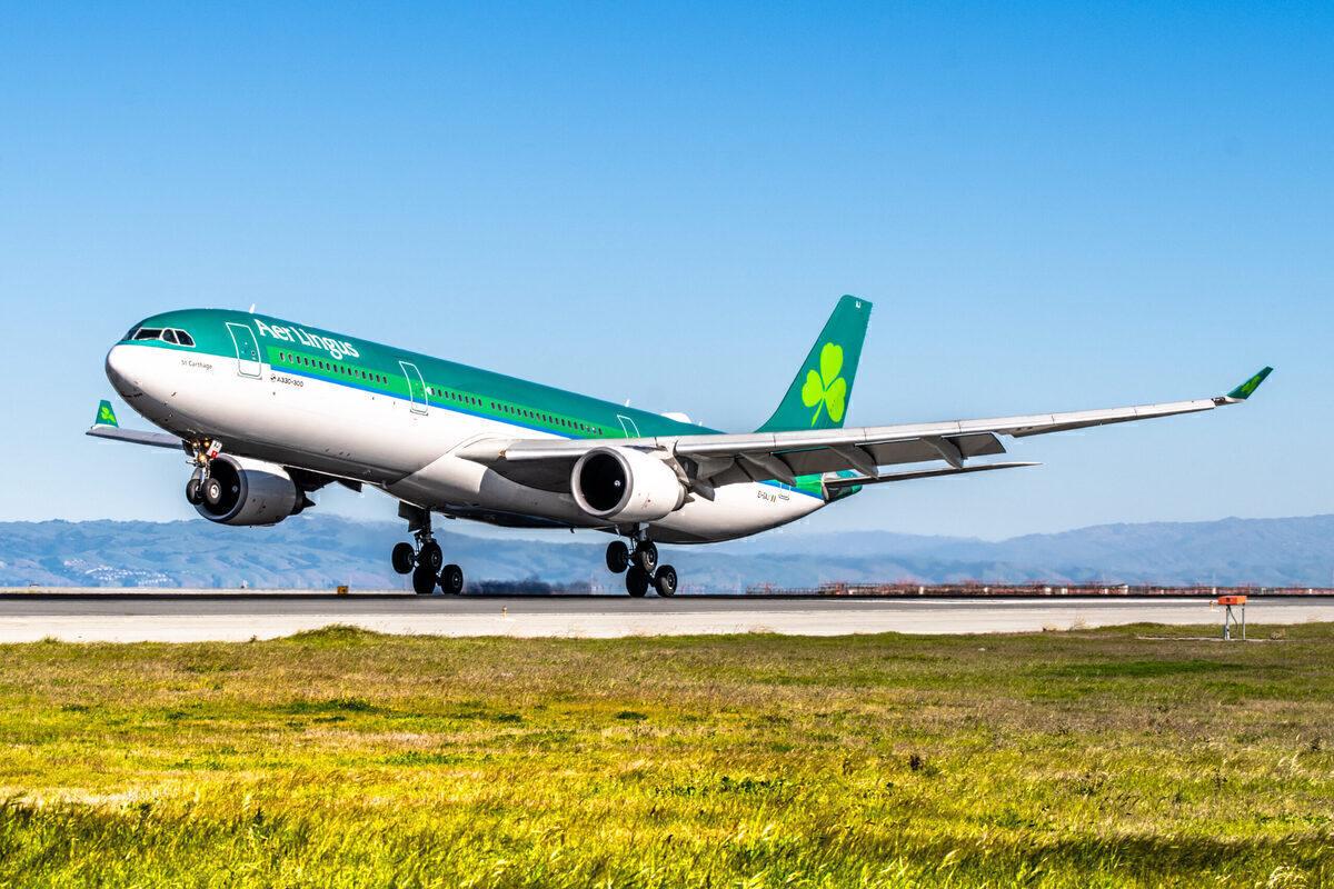Aer Lingus A330 landing